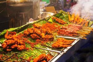 nationaal gerecht populair in veel andere Zuidoost-Aziatische landen sa