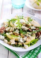 peer, blauwe kaas en notensalade