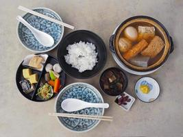 conjunto de comida sana japonesa foto