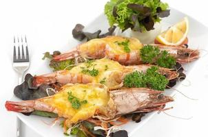 Grilled tiger prawns with cheese