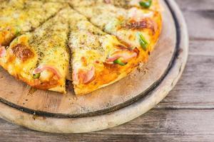 Hawaiian style pizza photo