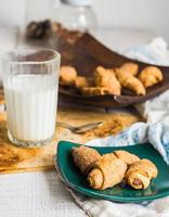 bagels biscuits de pâte courte farcis au lait concentré