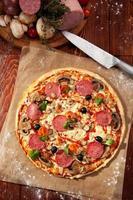 pizza de salami foto