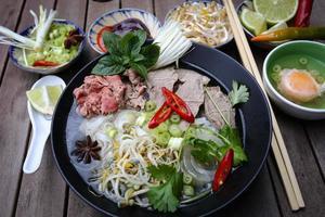 pho, fideos de arroz vietnamitas