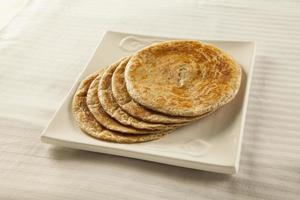 Bran Paratha, wheat plain roti photo