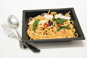 receta italiana: espagueti y mariscos foto