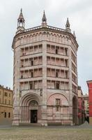 Baptisterio de Parma, Italia