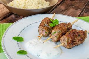 kebab de ternera con cuscús