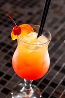 coquetel no bar