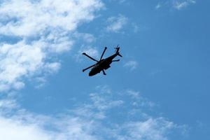 silueta de helicóptero merlin foto