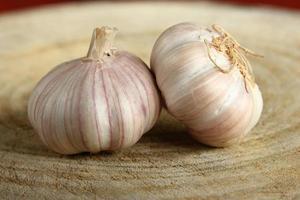 Garlic on the wood