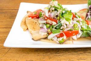 thai spicy mushroom salad