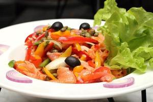 salada de salmão mista