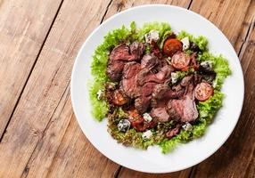 Salad with roast beef