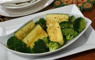 brócoli y calabacín