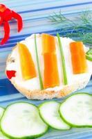 sandwich de pescado para niño foto