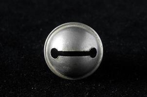 campana pequeña de metal vintage