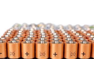 gouden batterijen in rijen