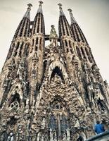 The little man in front of the Sagrada Familia