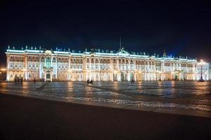 piazza del palazzo a san pietroburgo, russia.