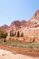 Monasterio de Santa Catalina en las montañas del Sinaí, Egipto foto