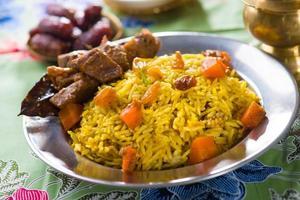 comida árabe, alimentos de ramadán en oriente medio foto