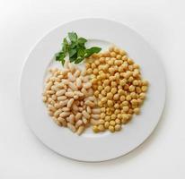 Plato de legumbres photo