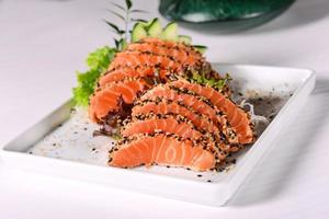 sashimi de salmón foto
