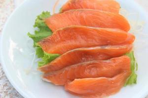 salmón sashimi foto