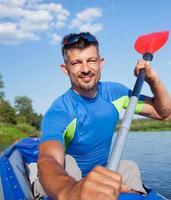 hombre kayak