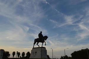 New Orleans, standbeeld van de burgeroorlog in Louisiana, avondlucht