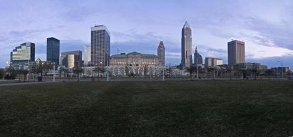 het centrum van Cleveland bij zonsondergang