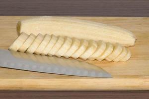 plátano en rodajas