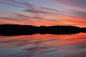 crepúsculo lago del oeste