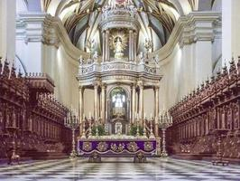 vista interior de la catedral de lima