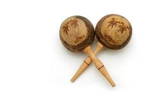 maracas cubanas de madera foto