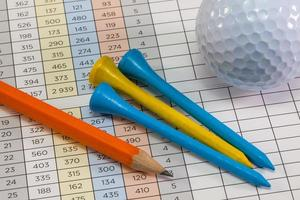 tarjeta de puntaje de golf y otros equipos foto