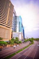Banguecoque, Tailândia, 4 de agosto de 2014, tráfego em uma estrada em