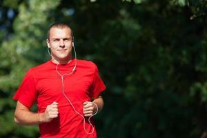 hombre corriendo fitness