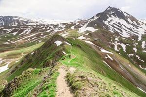 El sendero en la cresta.