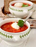 sopa de tomate con picatostes foto
