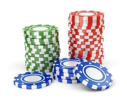 jetons de casino verts, rouges et bleus
