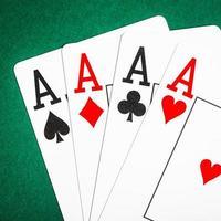 jogando cartas