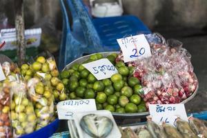 Fruta de la calle en Bangkok, Tailandia.