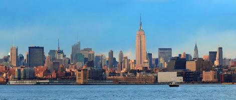 Downtown Manhattan skyline photo