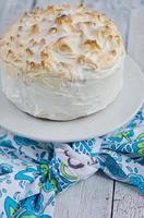 pastel de merengue de limón foto