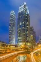 Distrito financiero de Hong Kong en la noche.