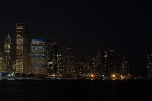 skyline van chicago's nachts