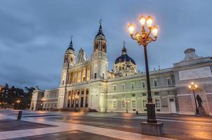Catedral de la Almudena en Madrid, España.