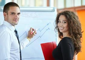parceiros de negócios discutindo